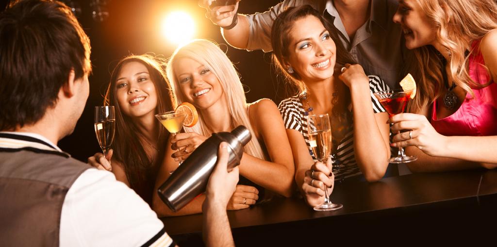 бармены обманывают