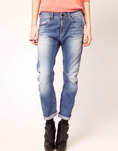 джинсы бойфренды с ботильонами