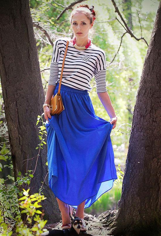 с чем носить синий длинная юбка и полосатая кофта