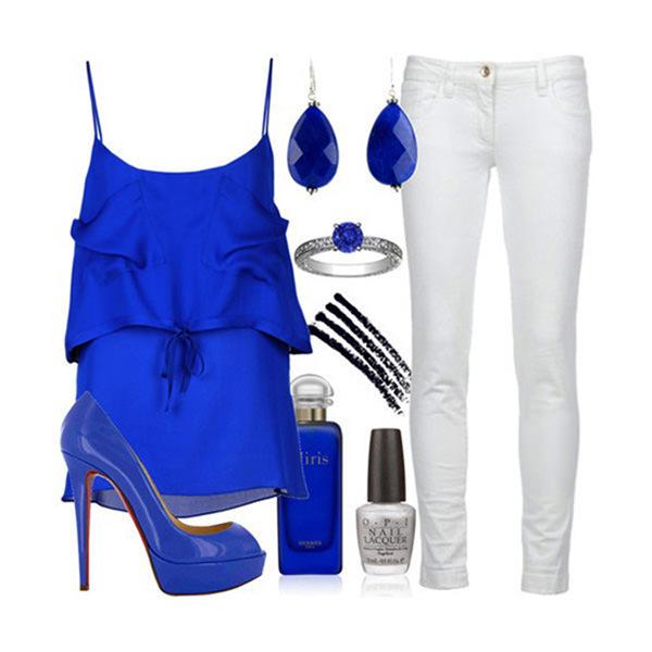 с чем носить синий и белый