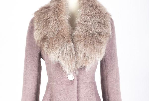 пальто из меха и кашемира