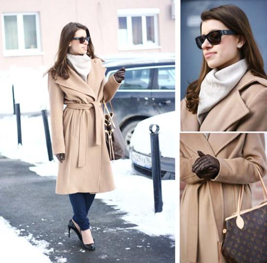 классическое пальто песочного цвета