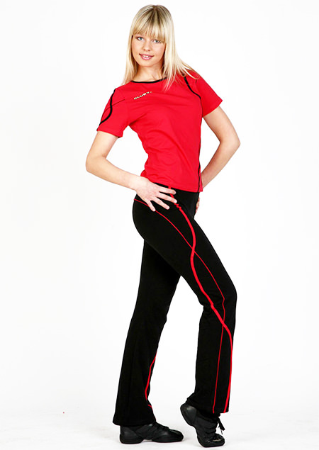 модные женские спортивные костюмы красно-черный