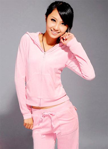 модные женские спортивные костюмы нежно-розовый