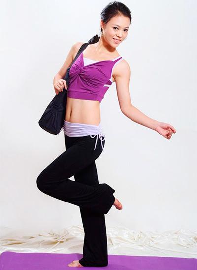 модные женские спортивные костюмы топ и штаны