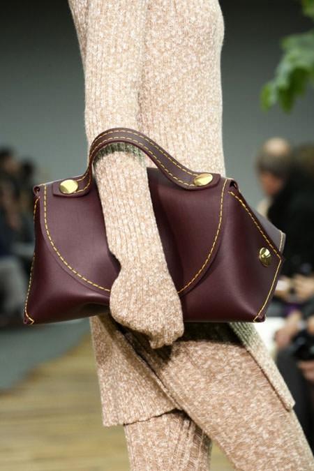 гладкая кожа на сумках