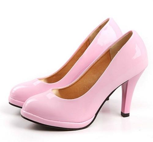 яркие туфли-лодочки