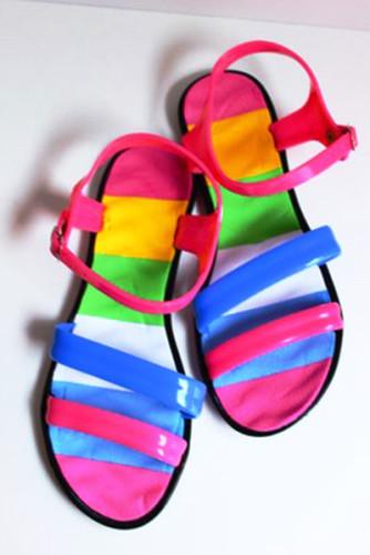 разноцветные босоножки